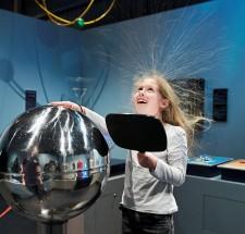 L'Électrium propose une initiation des plus divertissantes aux lois de l'électricité et au mouvement des électrons.